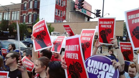 10 Tips for Going to a Picket Line as a DSA Member