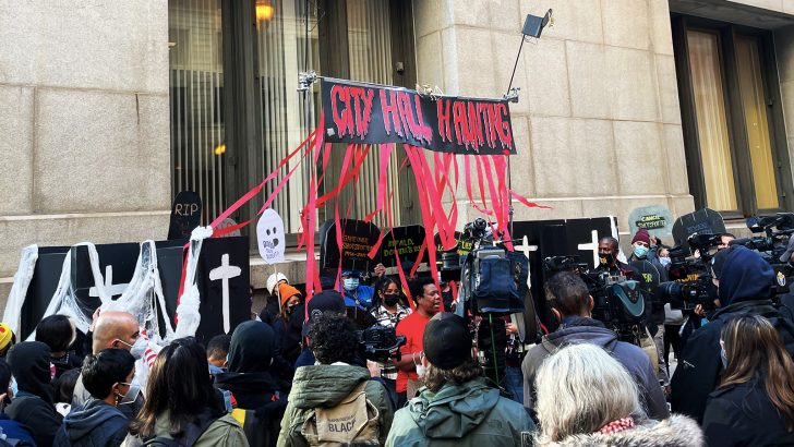 A Haunting On LaSalle Street: Protesting the Chicago Budget